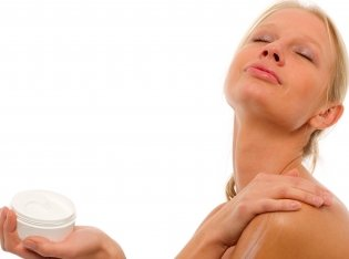 Rub your body down and cover it with an enriching body lotion.