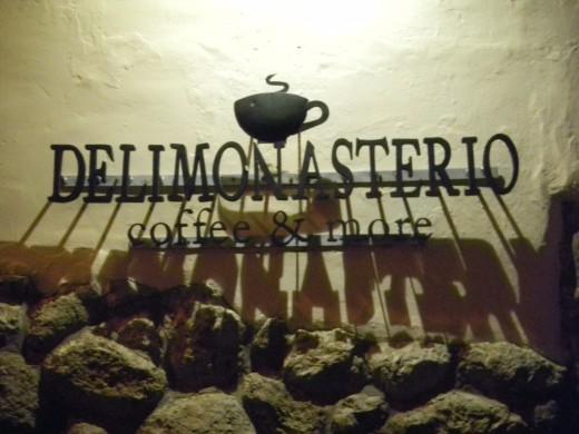 Shop sign Delimonasterio