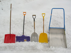 How Do I Snow Shovel Safely and Correctly?
