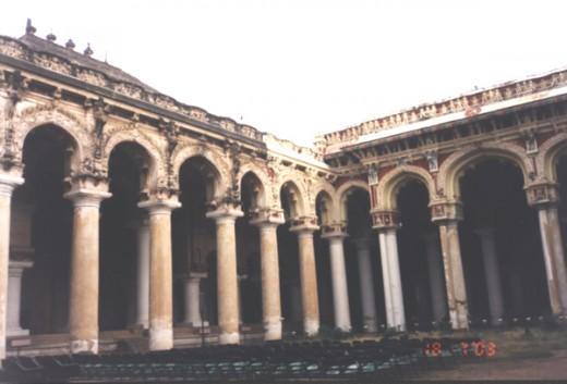 3. Thirumalai Nayakkar Mahal in Madurai, Tamilnadu.
