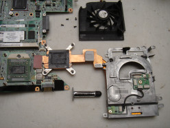 Fixig an HP dv9000 (dv9005ca) Laptop with Broken Hinge, No Video and Sound (In Surrey)