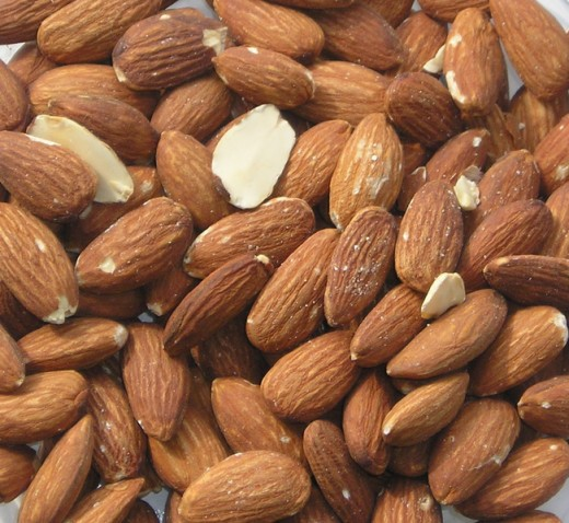 Raw almonds are a great snack!