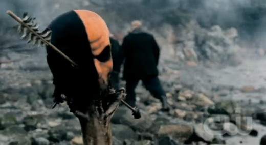 Great job of teasing Deathstroke's appearance.