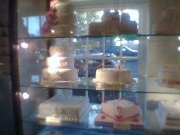 Wedding Cakes at Burgers Marlow
