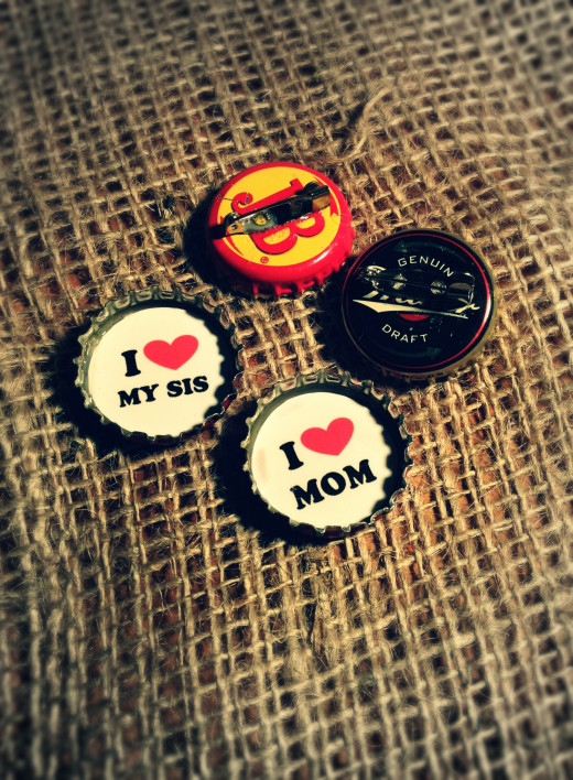 I heart Mom and I heart my sis upcycled bottle cap badges