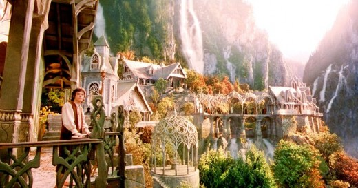 Architecture, beautiful colors, and a hobbit? Yes, please!