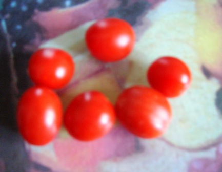 chery tomatoes:Bob Ewing photo
