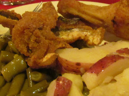 A delicious meal of fried fish and chicken with green beans and red potatoes was our dinner for the evening.