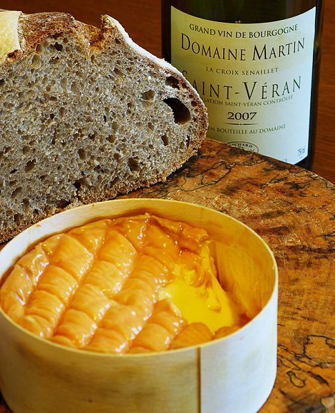 Époisses de Bourgogne cheese and white wine with home-made naturally leavened (sourdough) bread.