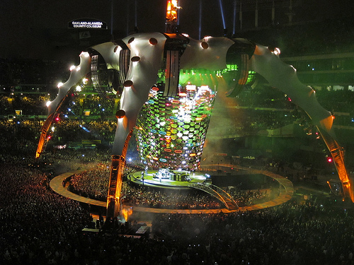 U2's Massive Claw Stage and LED Screen