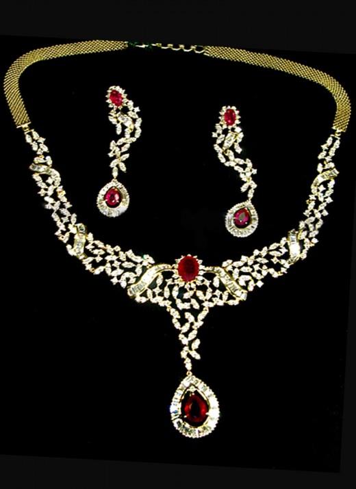 Royal Essence Necklace Set. Photo courtesy of Cbazaar.com.