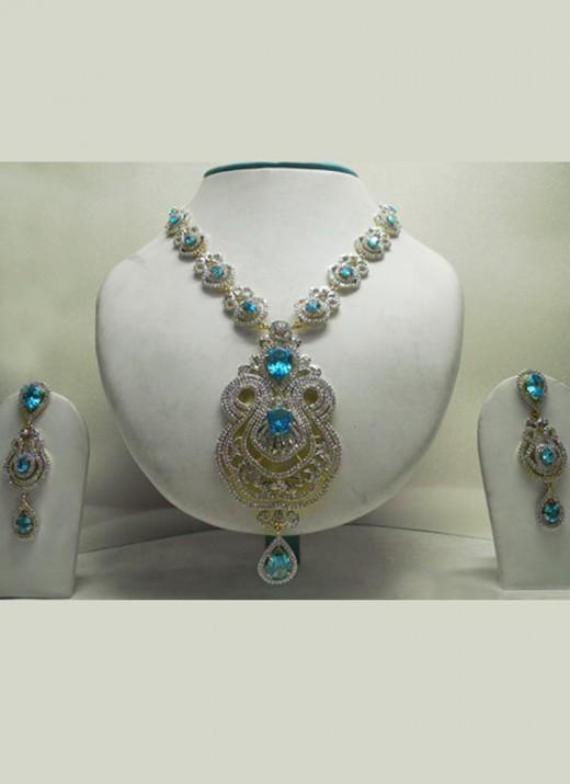 Regal Stone Studded Necklace Set. Photo courtesy of Cbazaar.com.