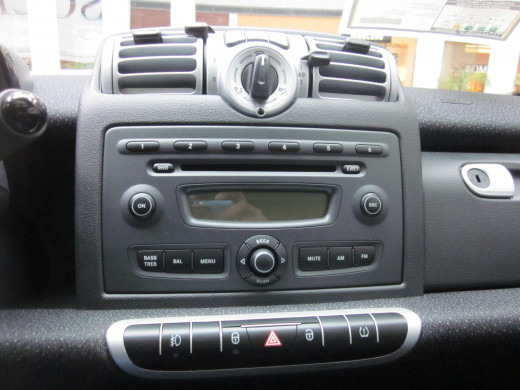 Simple radio available in the Smart