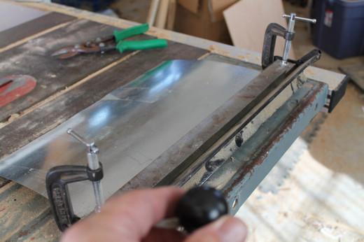 Bending the sheet metal