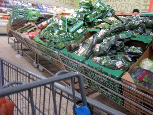 Lots of broccoli and green bell peppers--must be a special deal today!