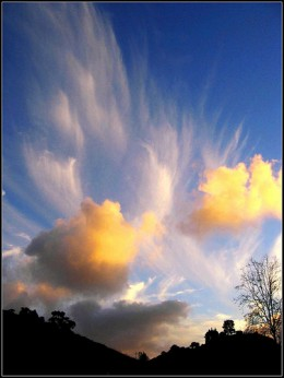 Far away sky, nature paints with clouds from moonjazz  Source: flickr.com