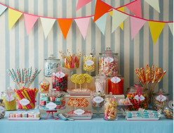 DIY Wedding: The Candy Bar