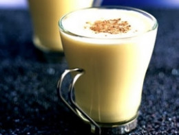 Make homemade eggnog this year!