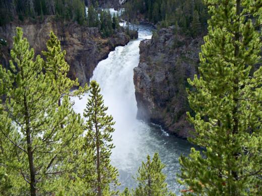 Yellowstone National Park - Upper Yellowstone Falls