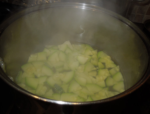 Boiling Zucchini - use small amount of water only when you boil the zucchini so that the zucchini won't lose its flavor.