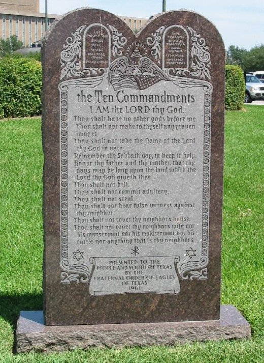 A monument reminding passing by christians and jews the ten simple rules they are to abide by.