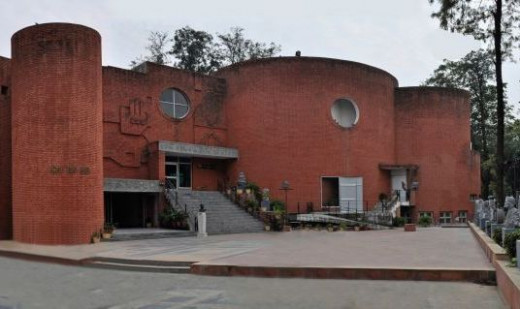 Punjab Kala Bhawan situated in sector 16 is Open Air Theatre which hosts exhibitions and other theatrical treats for art lovers