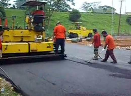 Making roads with asphalt