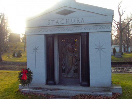 The mausoleum vault of Chester and Gloria Stachura.