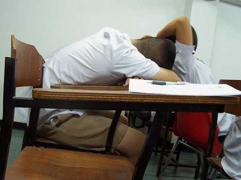 Students frequently fall asleep during class. Sleep Learning - is it possible?