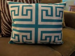 How to Make Pillows with a Sewing Machine
