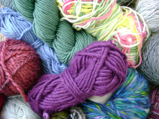 How to pick the right yarn for your knitting project  (c) purl3agony 2012