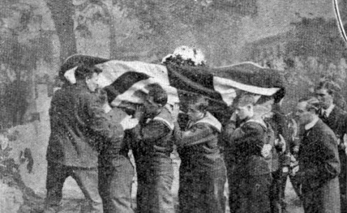 """WW1: Pall-bearers from the Royal Naval Division carrying the coffin of Lieutenant R.A.J. Warneford, VC. """"Honoured by the King; admired by the Empire; mourned by all."""""""