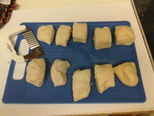 The dough cut it 10 pieces