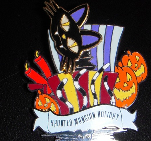 Nightmare Before Christmas (Haunted Mansion) attraction pin. Cat head bobbles.
