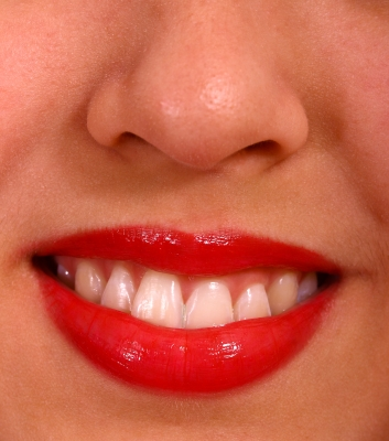 smooth, soft and reconditioned lips makes color application easier.