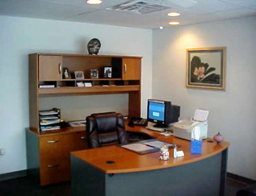 How to maximize small office spaces for small businesses - How to maximize small spaces concept ...