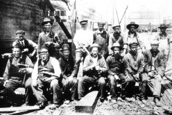Immigrant diggers on the Erie Canal