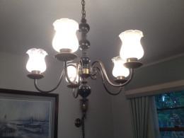 Older lighting fixtures can recreate a vintage look