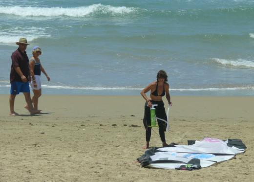 Gill preparing her Kite