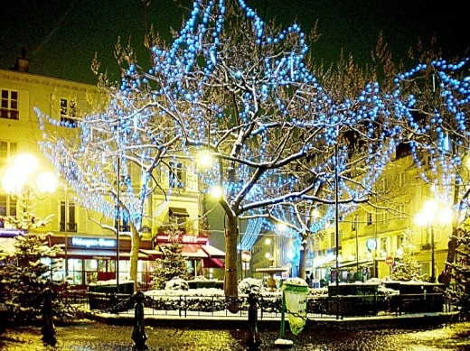 Place de la Contrescarpe - Paris, around Christmas time