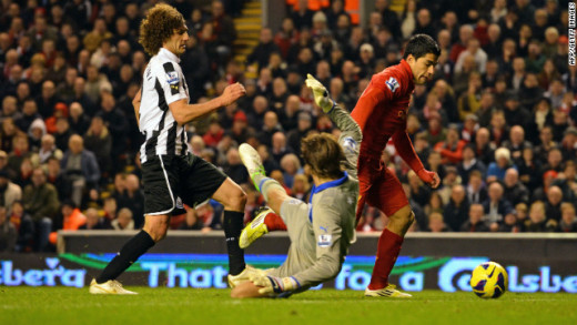 Krul allows a goal to Luis Suarez.