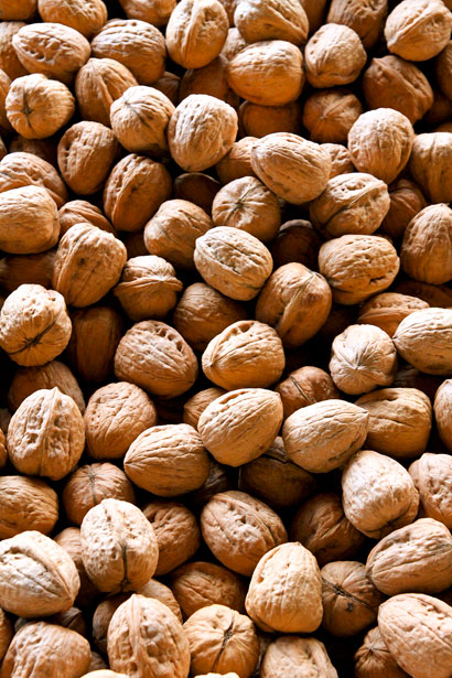 Walnuts are an appealing dietary choice for their natural and nutritional qualities.