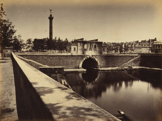 1870s photograph of Paris which shows the July Column