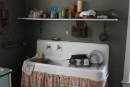 Old Vintage Kitchen Farm Sink