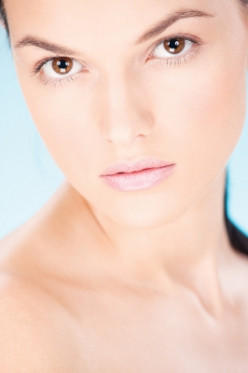How to even out your skin tone naturally?
