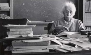 On the other side of the coin, Einstein held the view that an empty desk may mean an empty mind.
