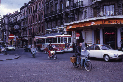 Traffic in rue Bayard, Toulouse, in 1972