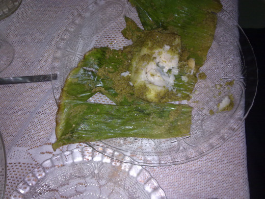 Patra ni Maachi - Fish in banana leaf