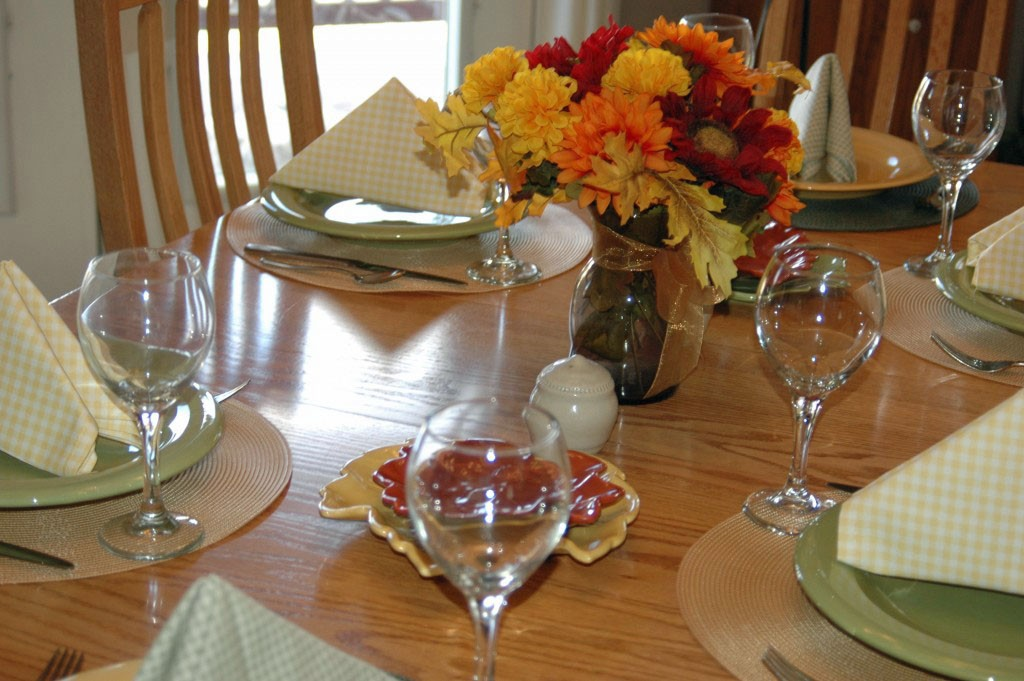 How To Host A Small Dinner Party Without Stress