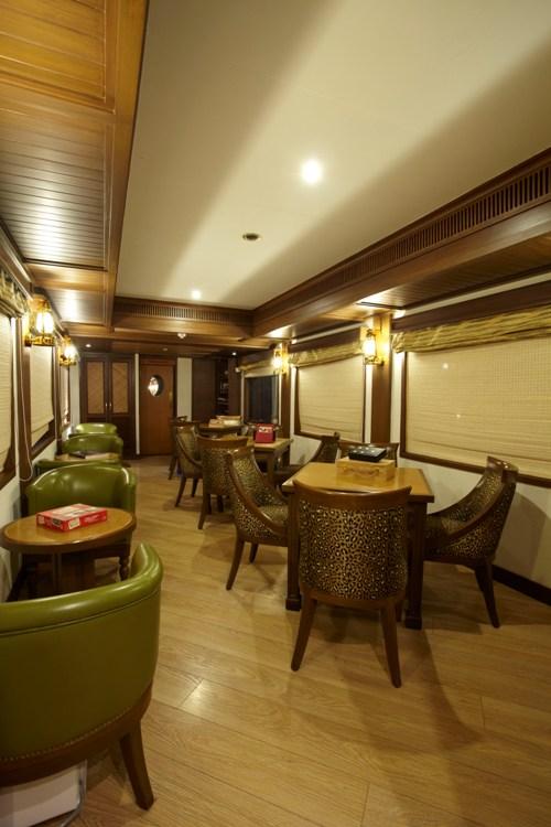 Seating Plan of Safari Bar, Maharajas Express